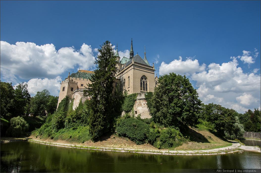 Словакия замок бойнице и в австрию