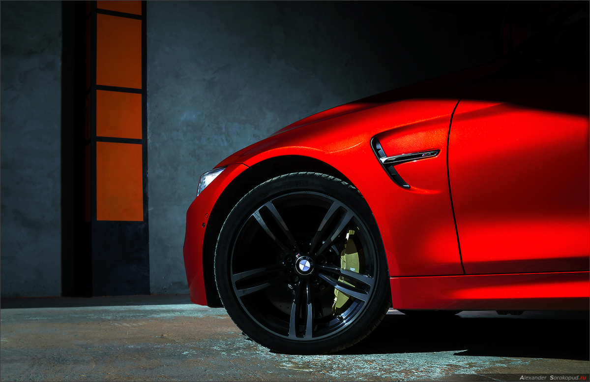 BMW M4 in red